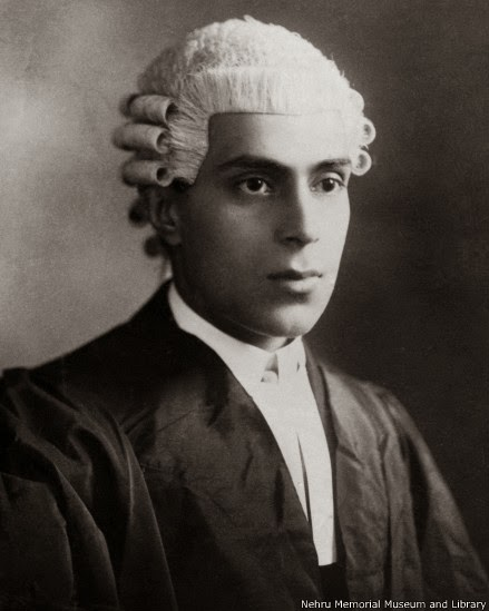 140526114157_nehru_in_a_barristers_gown_a_bust_portrait_439x549_nehrumemorialmuseumandlibrary